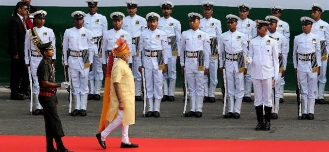 Hindistan'da Bağımsızlık Günü Kutlamaları Renkli Görüntülere Sahne Oldu