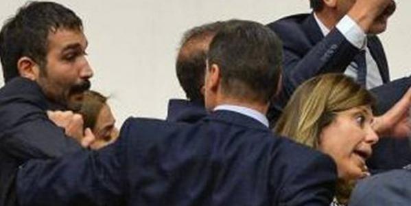 Alpay Özalan'dan HDP'lilere Uyarı: Gözüm Üzerinizde!