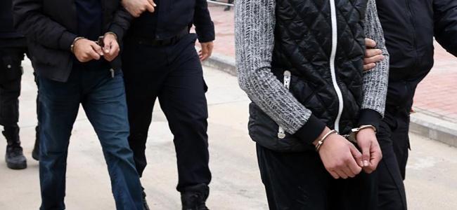 Yüzlerce kişiyi dolandıranlar tutuklandı