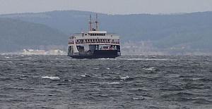 Feribot ve Gemi Seferleri Şiddetli Rüzgar Yüzünden Durduruldu