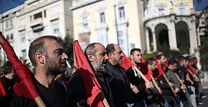Yunanistan'daki Grev Ülkeyi Alt Üst Etti