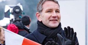 Alman Politikacıdan Skandal Sözler: İslamı Yasaklatacağım!