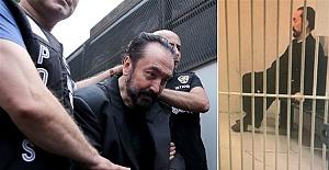 Adnan Oktar Cezaevinde Ölüm Korkusuyla Yaşıyor!