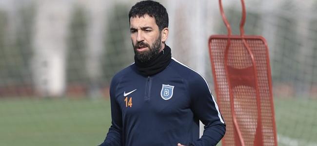 Arda Turan'dan Galatasaray'ın eski yönetimine eleştiri