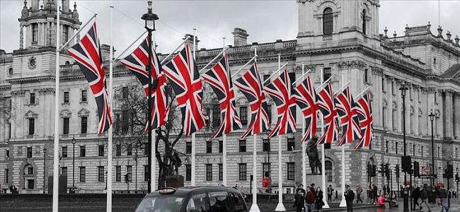 İngiltere'de Karantina Döneminde 730 Bin Kişi İşini Kaybetti