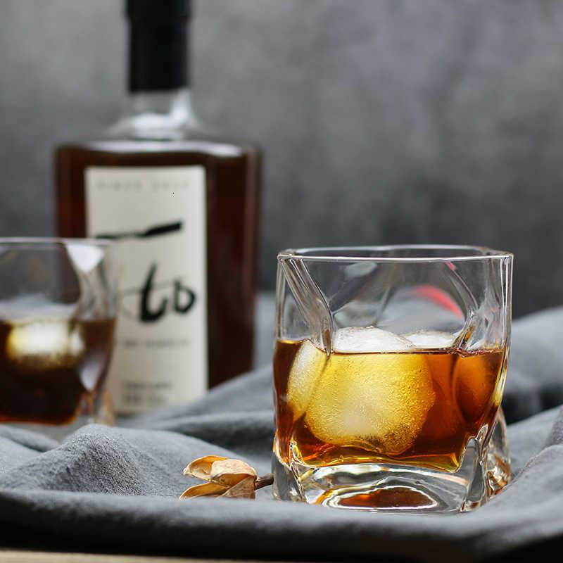 Özel Tasarım Votka Bardaklarınızla Keyfinizi Katlayın