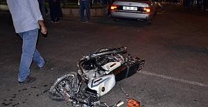 Motosiklet Kazasına Tepki Gösteren Vatandaşlar Yolu Trafiğe Kapatıldı