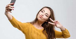 Yeni Bir Araştırmaya Göre Instagram'da Selfie Paylaşanlar Daha Mutlu