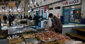 Talebe Yetişemeyen İzmirli Balıkçılar...