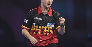 Premier League Darts 2021: Dimitri...